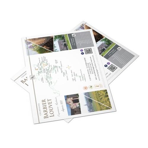 Sous-main papier avec des éléments graphiques imprimés
