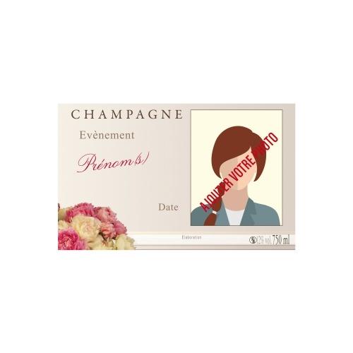 Étiquette aux tons pastels pour habiller une bouteille de Champagne pour un évènement