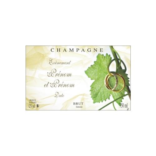 Étiquette avec un décor de feuille de vigne et alliances pour fêter un mariage