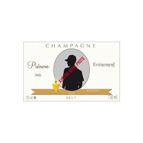 Étiquette de Champagne avec un fond de lignes en zizag crème pour fêter une communion