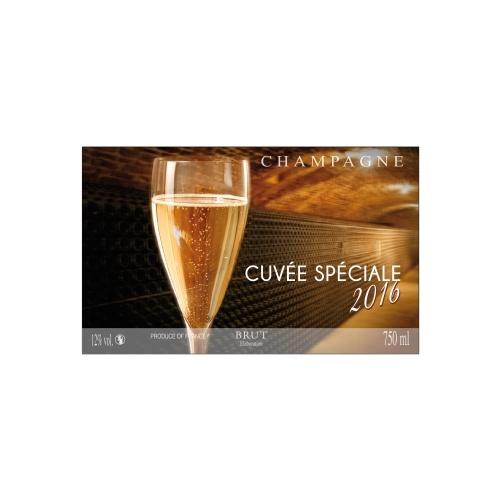 Étiquette de Champagne avec un décor de flûtes et de caves