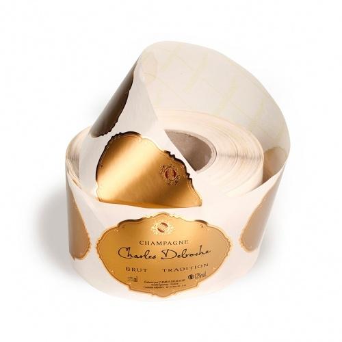 Rouleau d'étiquettes sur fond et liseré or
