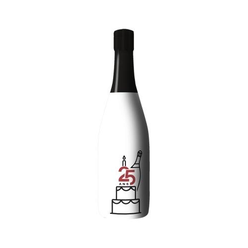 Sleeve blanc avec un dessin au trait noir d'un gâteau sur bouteille de Champagne