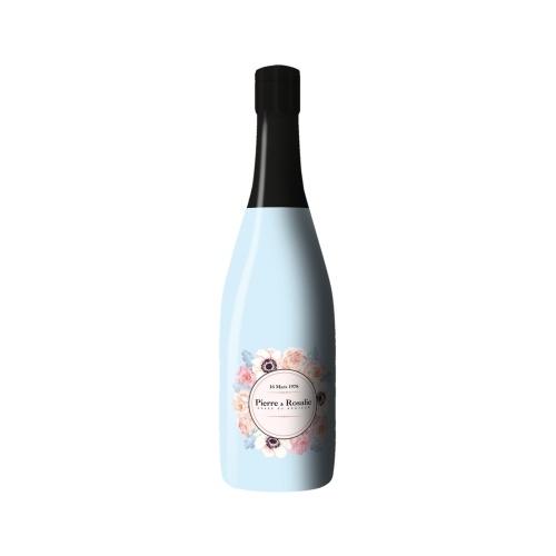 Sleeve bleu sur bouteille de Champagne