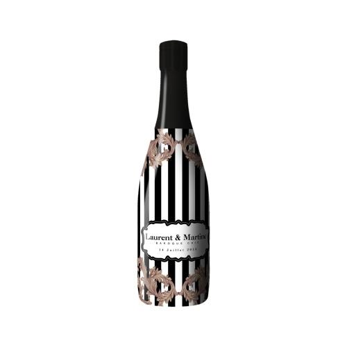 Sleeve rayé noir et blanc sur bouteille de Champagne