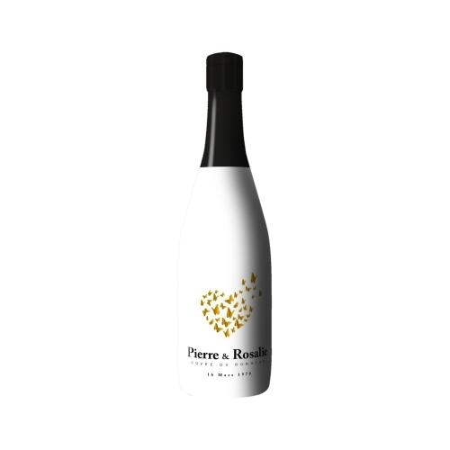 Sleeve blanc avec un dessin de coeurs en papillons sur bouteille